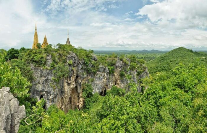 Phnom Sampeou Mountain