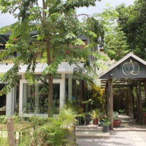 The Green Mango Café & Bakery